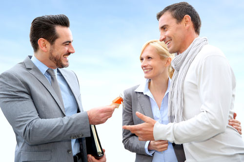 Back To Real Estate Basics: Difference Between A Broker, Realtor, And Agent