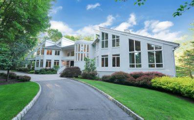 817 W Shore Dr, Kinnelon, NJ 07405