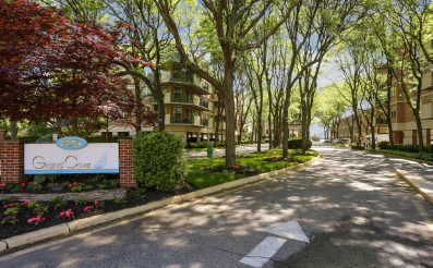200 Grand Cove Way 2J, Edgewater, NJ 07020 - SOLD