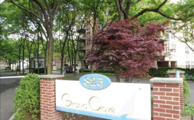 100 Grand Cove Way 3E, Edgewater, NJ 07020 - SOLD