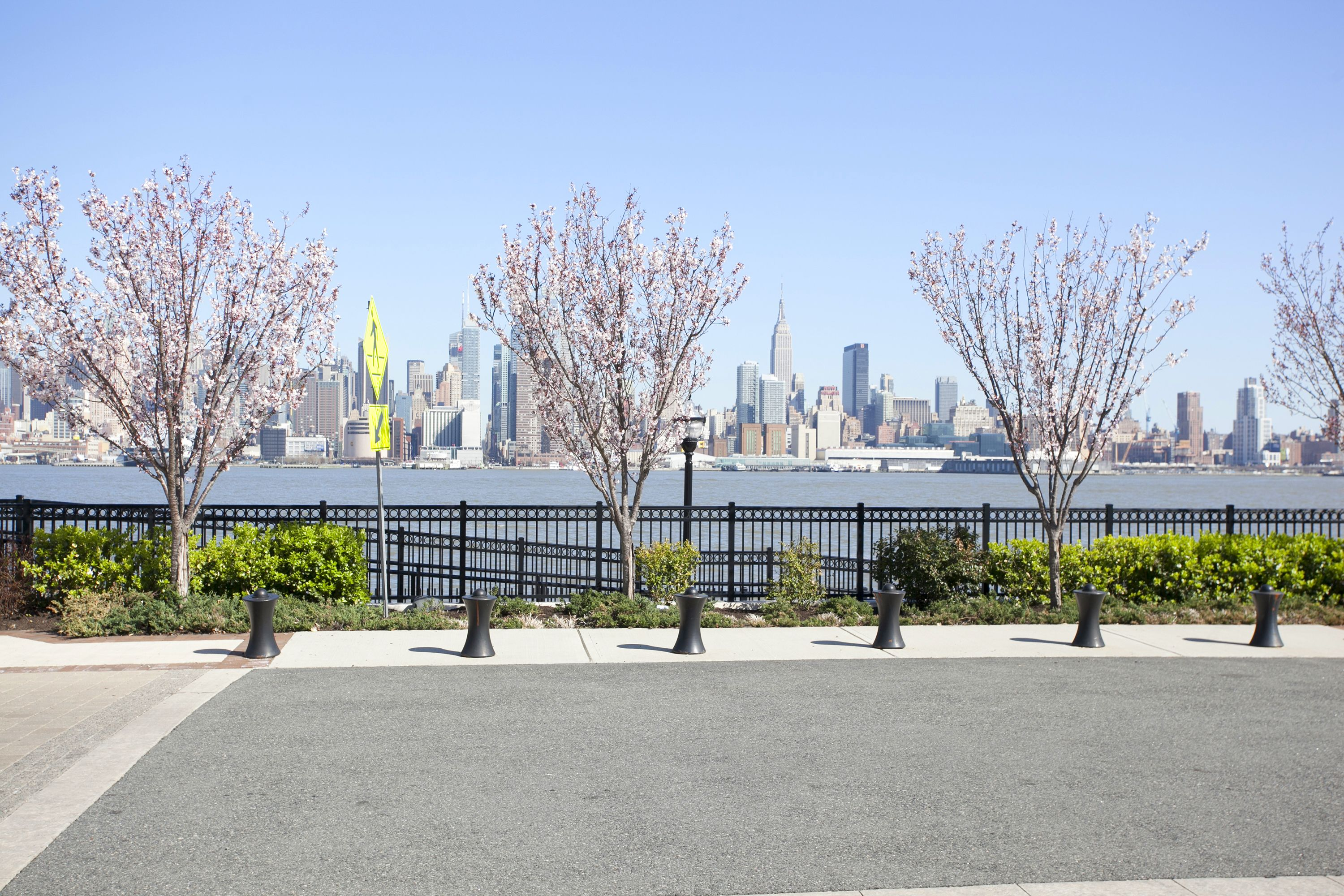 2972_LF_32- 30 Oxford Landing Weehawken NJ