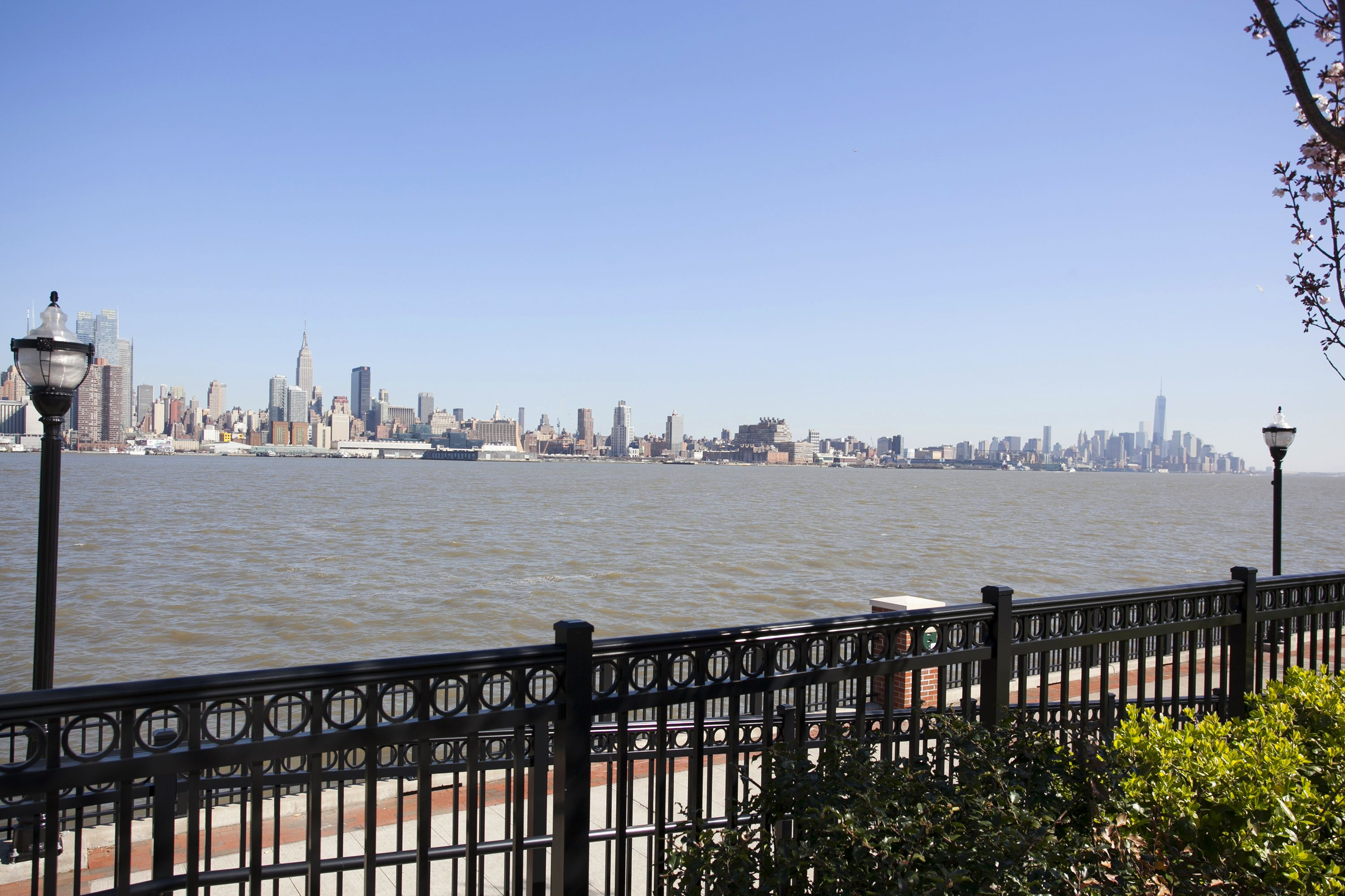 2972_LF_34- 30 Oxford Landing Weehawken NJ