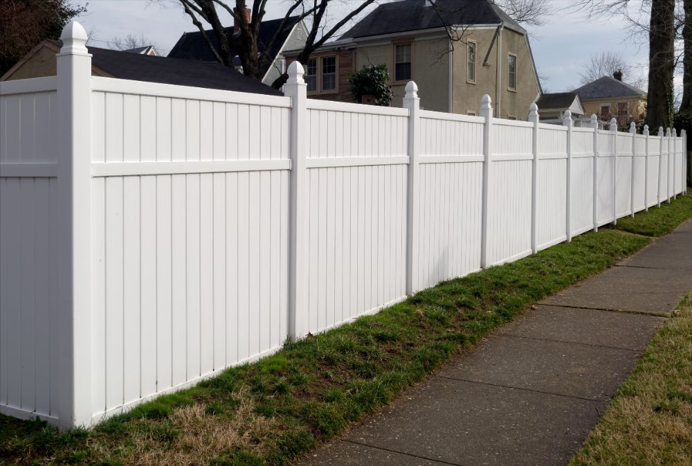 Selecting The Right Fence Height For Your Home