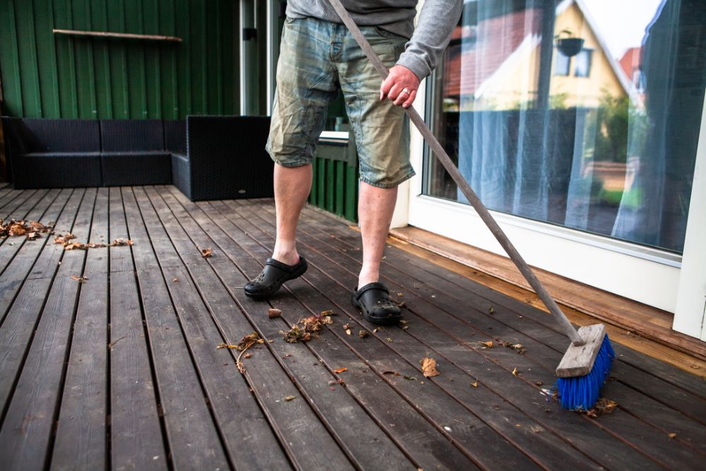 Top Tips To Maintain A Screened Porch