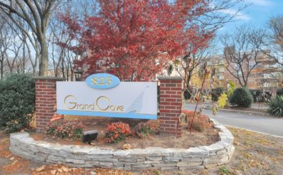 100 Grand Cove Way PH 5K Edgewater, NJ 07020 - SOLD