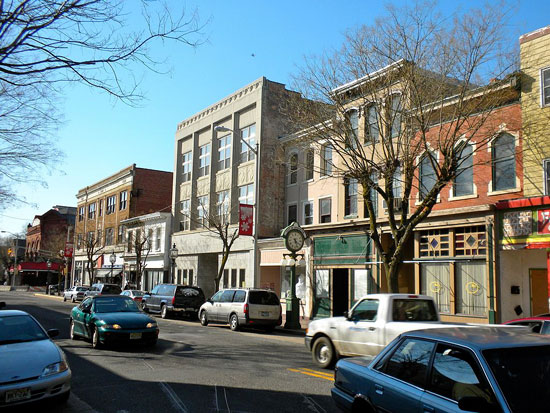 Neighborhood Guide: Saddle River, NJ